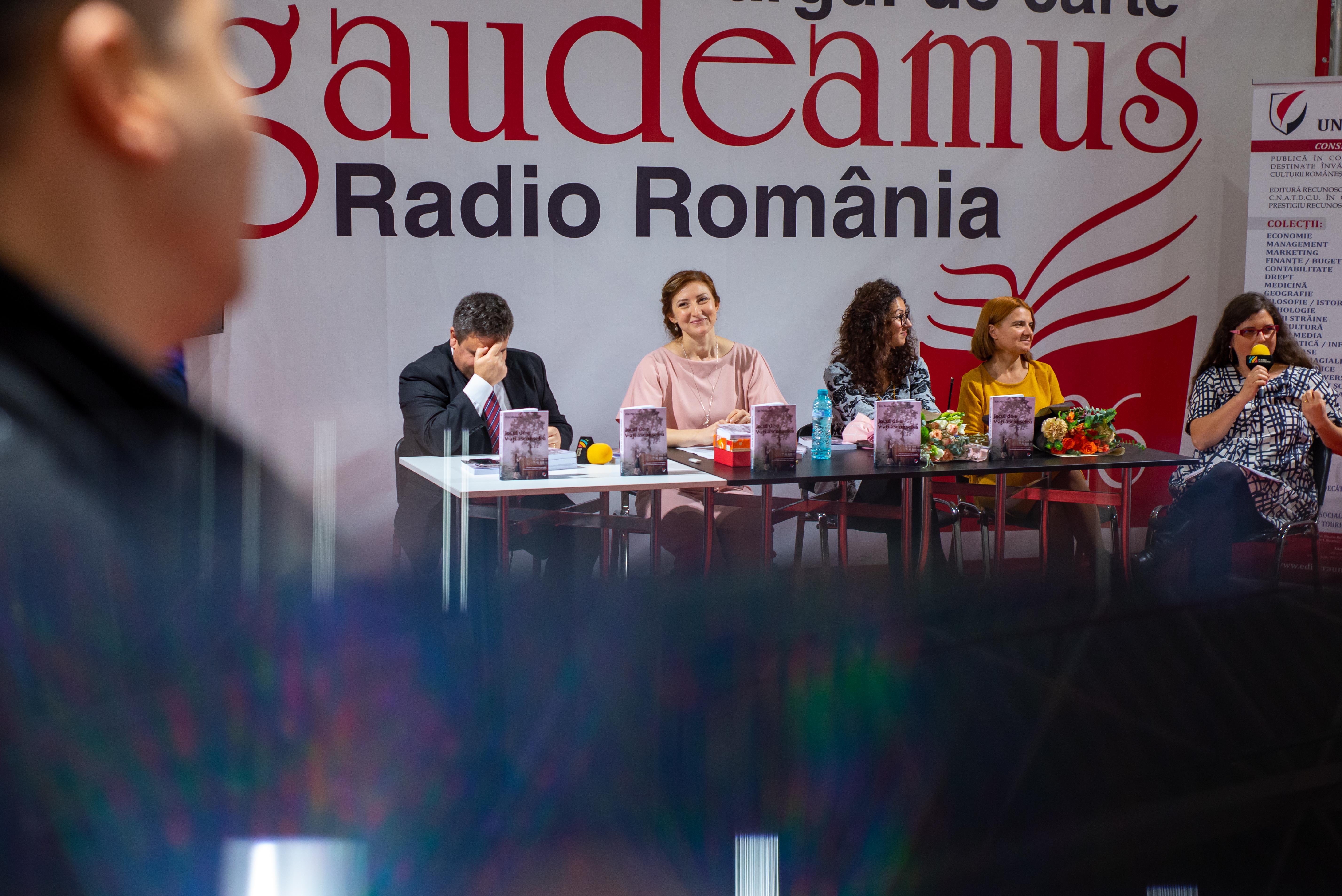 Lansarea romanului Jocul de-a V-ați ascunselea la târgul de carte Gaudeamus
